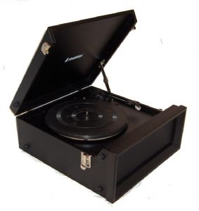 Steepletone SRP1R-11 70's Style Record Player with Radio - Black